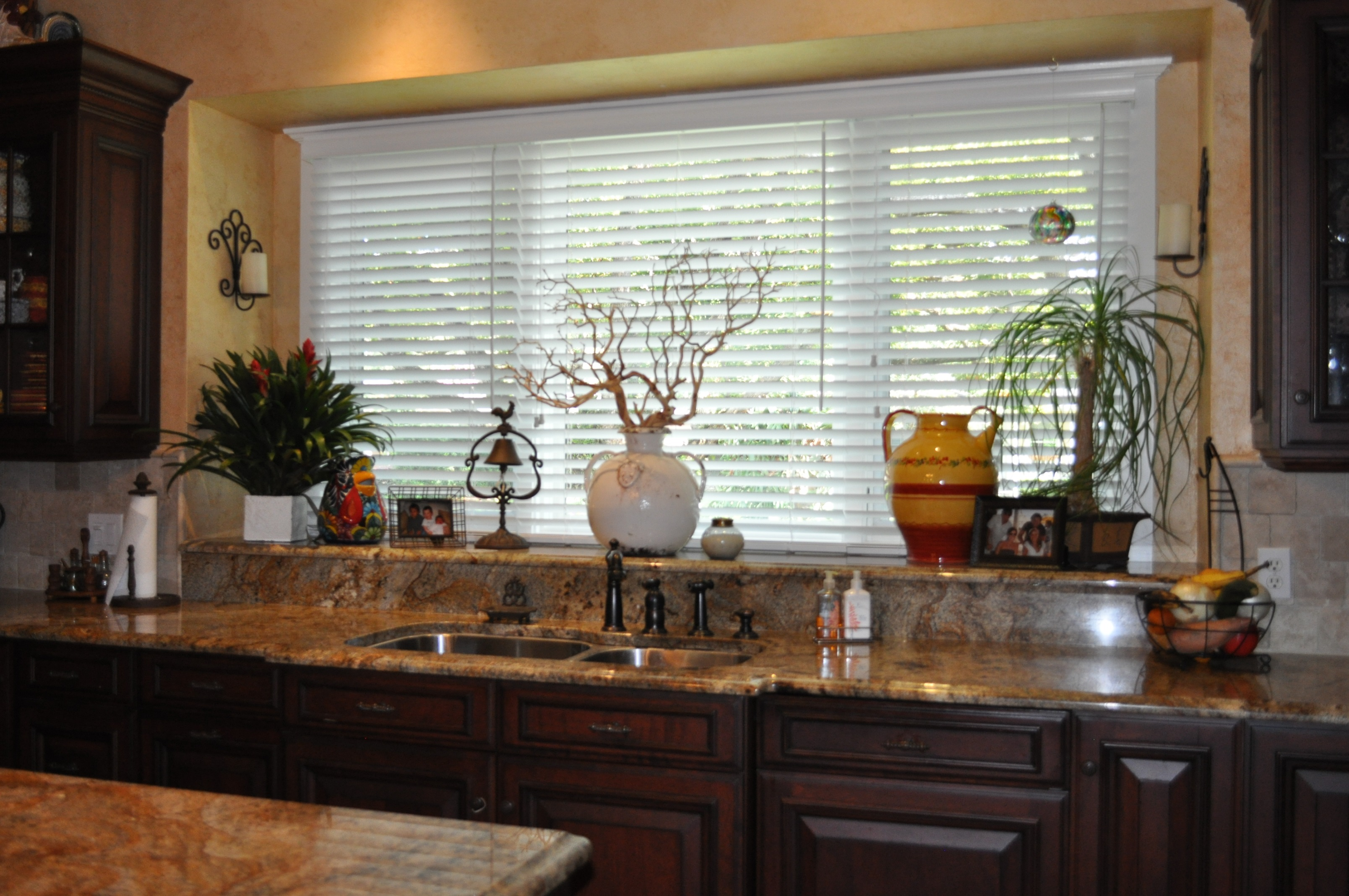 plantation shutters Hillsborough County, window blinds, roller shades